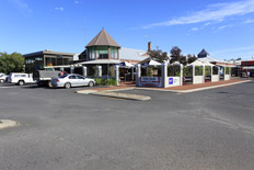 Dunsborough Hotel