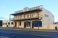 Port Hotel, Hopetoun